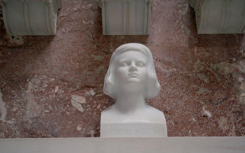 Sophie Scholl (hier eine Büste in der Walhalla) wäre am 9. Mai 100 Jahre alt geworden.