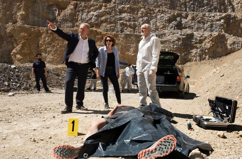 Ein hoher Beamter des Innenministeriums ist ums Leben gekommen: Moritz Eisner (Harald Krassnitzer, links) und Bibi Fellner (Adele Neuhauser) ermitteln.