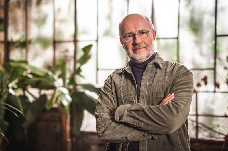 """""""Wir sollten nicht alles tun, was wir tun können"""", warnt Professor Harald Lesch."""