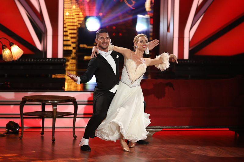"""Als erster gehörloser Tänzer nahm Benjamin Piwko zusammen mit Profi Isabel Edvardsson 2019 an der RTL-Show """"Let's Dance"""" teil. Gemeinsam belegten sie den dritten Platz."""