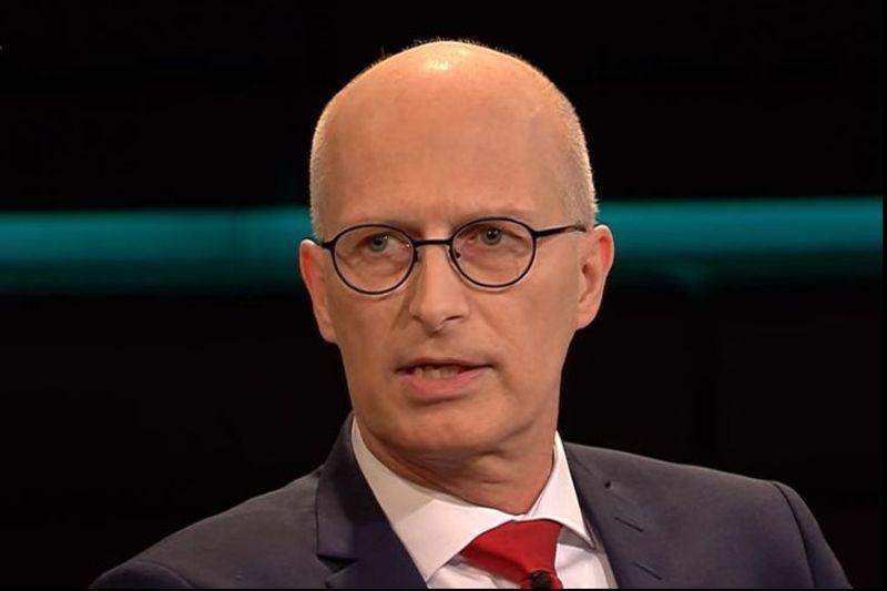 Hamburgs Bürgermeister Peter Tschentscher sprach sich für eine groß angelegte Teststrategie aus, damit verbundene Lockerungen sah er hingegen kritischer.