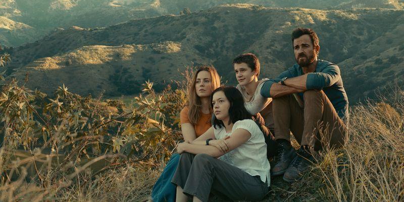 Allie Fox (Justin Theroux, rechts) muss vor der Regierung fliehen: Seine Frau (Melissa George, links) und seine Teenager-Kinder (Logan Polish, Gabriel Bateman) kommen mehr oder weniger freiwillig mit.
