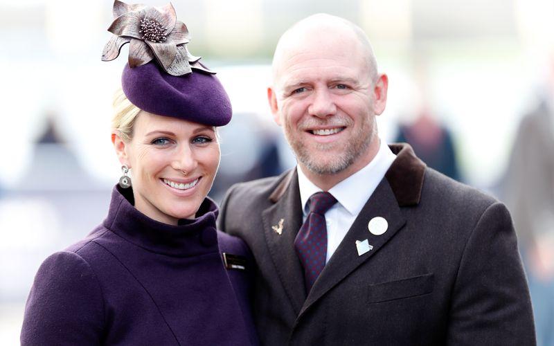 Seit 2011 ist Mike Tindall mit Zara Tindall, der Tochter von Prinzessin Anne und Enkelin der Queen, verheiratet.