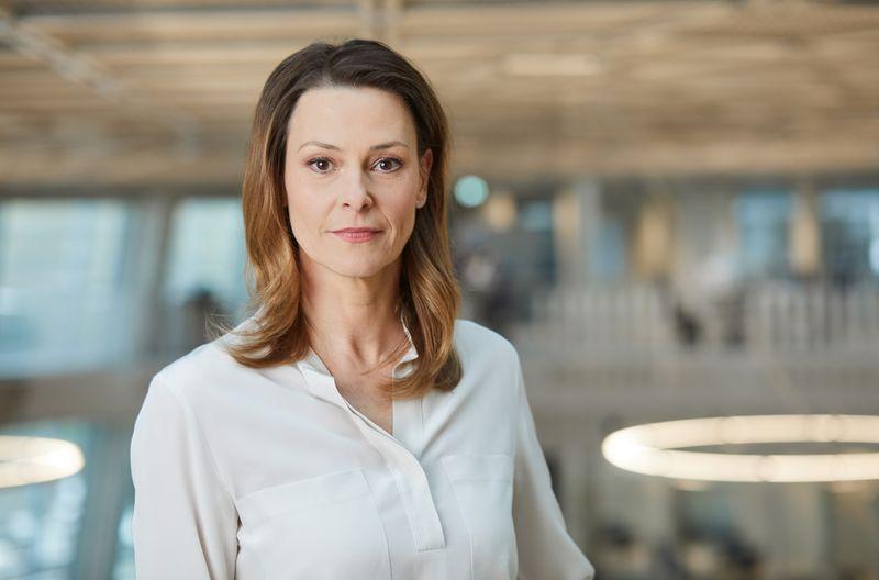 Anja Reschke wurde 1972 in München geboren, ist aber schon lange im Norden heimisch. Seit 2019 leitet die Mutter zweier Kinder den Programmbereich Kultur und Dokumentation im NDR, zu dem Kultursendungen, Reportagen und Dokumentationen gehören.