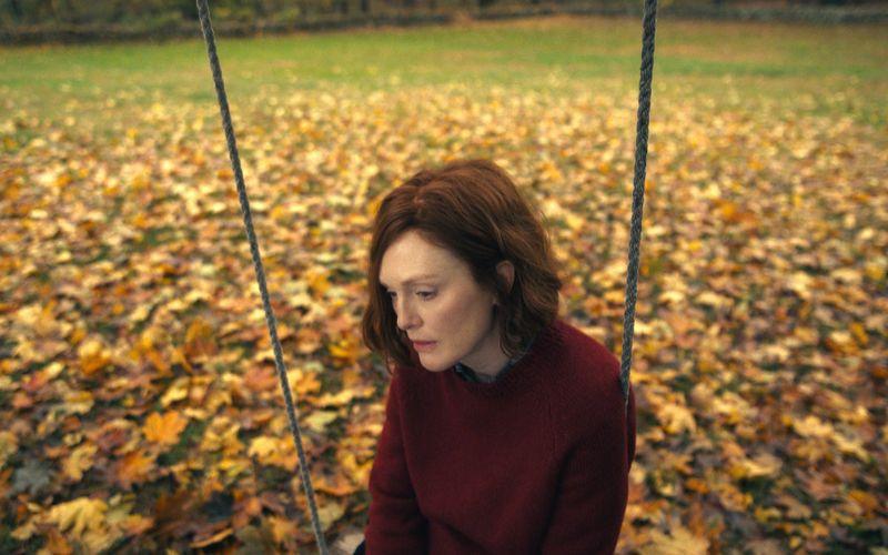 Seit dem Tod ihres Mannes fühlt sich Lisey (Julianne Moore) hilflos.