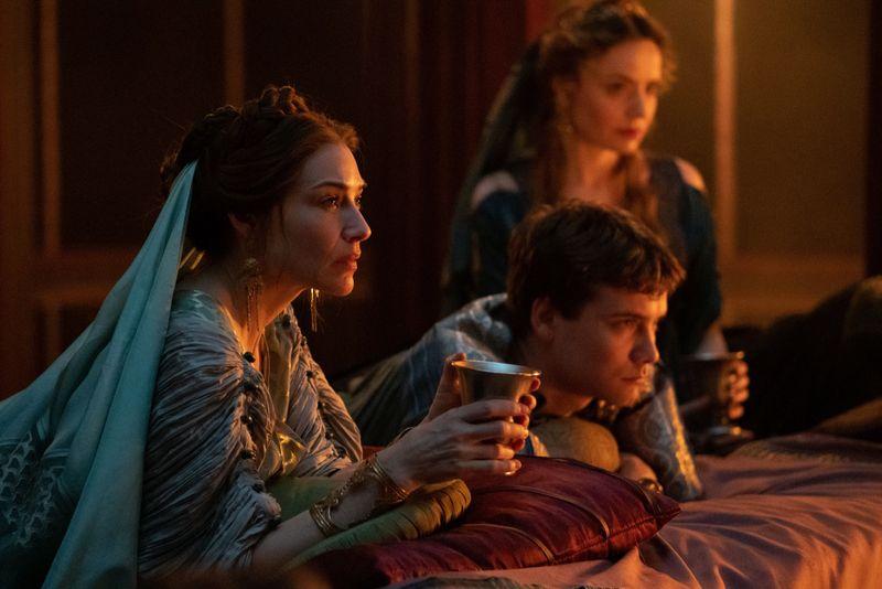 """""""Domina"""" beginnt als schnell getaktete römische Seifenoper mit zahlrechen Liebschaften und Gewaltausbrüchen."""