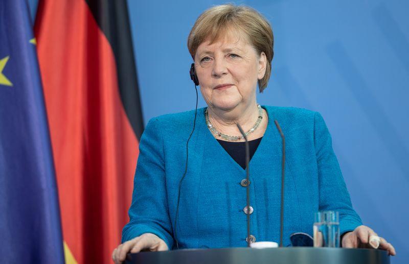 """16 Jahre Kanzlerschaft und fast 67 Jahre Angela Merkel: Die TVNOW-Dokureihe """"Angela Merkel - Frau Bundeskanzlerin"""" nimmt das Leben der CDU-Politikerin unter die Lupe."""