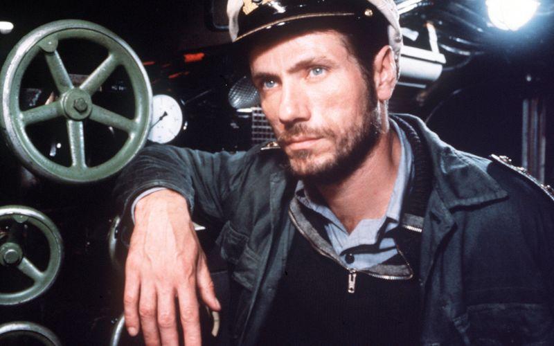 """Er war zwar der älteste und erfahrenste an Bord, doch auch seine Karriere nahm dank """"Das Boot"""" Fahrt auf: Mit der Rolle des Kaleun schaffte Jürgen Prochnow, der am 10. Juni seinen 80. Geburtstag feiert, den Sprung nach Hollywood."""