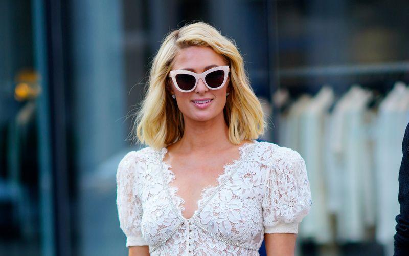 """Die Hotelerbin Paris Hilton denkt offenbar über Nachwuchs nach. Dies verriet das frühere """"It-Girl"""" im Podcast """"Just for Variety""""."""