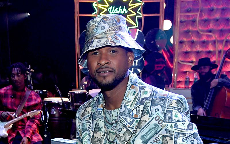 R&B-Sänger Usher rief T-Pain während eines Flugs an und kritisierte ihn für die übermäßige Verwendung von Autotune.