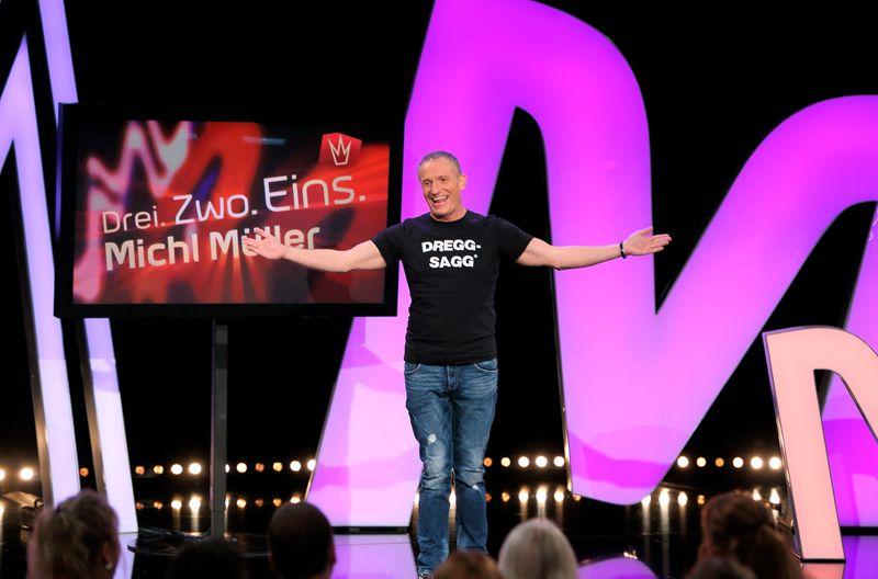 """Der Unterfranke Michl Müller nimmt bei seiner rückblickenden Chartshow kein Blatt vor den Mund. Der T-Shirt-Aufdruck """"Dreggsagg"""" ist für ihn kein Schimpfwort, sondern ein Kosename."""