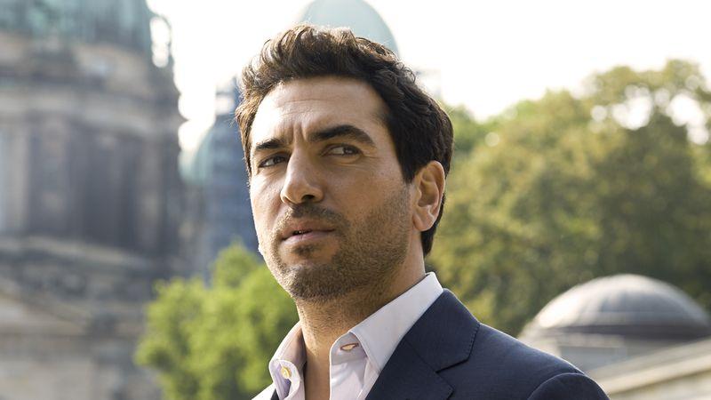 Anwalt Caspar Leinen (Elyas M'Barek, Bild) wird Fabrizio Collini als Pflichtverteidiger zugeteilt.