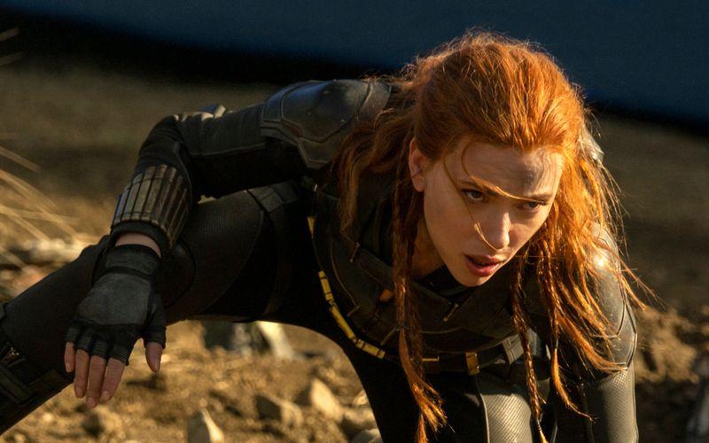"""Scarlett Johansson verklagt Disney, weil der Konzern ihren neuen Film """"Black Widow"""" zeitgleich zum Kinostart als Stream veröffentlicht hat."""