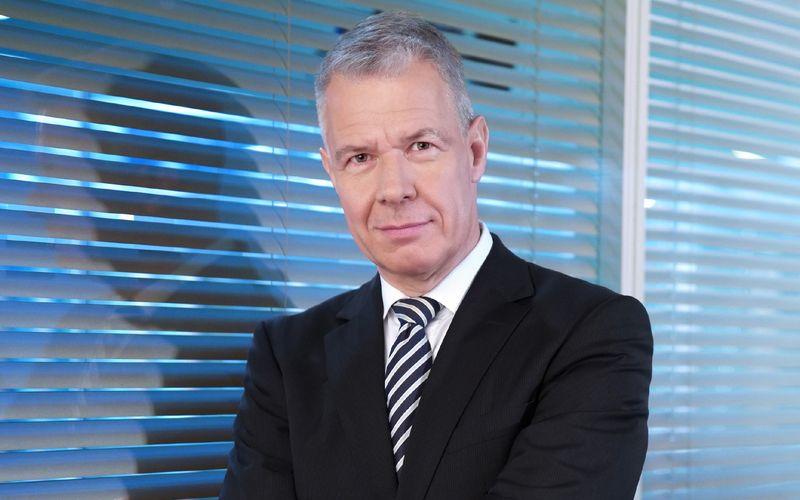 """""""Ich werde oft gefragt, wie ich das bewältigt habe"""", sagt Peter Kloeppel. Der Chefmoderator der RTL-Nachrichtensendung """"RTL aktuell"""" schrieb am 11. September 2001 - es war ein Dienstag - auch Fernsehgeschichte. """"Die Ereignisse haben dafür gesorgt, dass ich es bewältige, ich hatte keine Wahl"""", erinnert sich der 62-Jährige im Interview."""