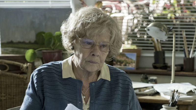 Lang verdrängte Erinnerungen beunruhigen Joan (Judi Dench).
