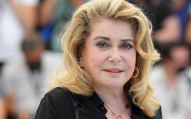 Bei den Filmfestspielen in Cannes feierte Catherine Deneuve ihr Comeback in der Öffentlichkeit. Nun trauert die 77-Jährige um ihre Mutter Renée Dorléac.