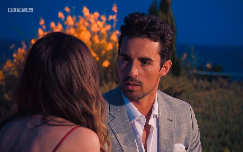Kandidat Dario kann es nicht fassen: Der vermeintliche Favorit hat es geschafft, Maxime in nur einem Date völlig vor dem Kopf zu stoßen.