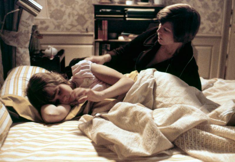 Ellen Burstyn (rechts, mit Linda Blair) wird auch in der Neuauflage zu sehen sein. Schon im Original spielte sie die Rolle der Chris MacNeil.