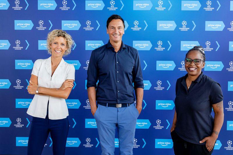 Annika Zimmermann (links), Sebastian Hellmann und Shary Reeves gehören zum Reporterteam von Amazon bei den Übertragungen der Champions League.