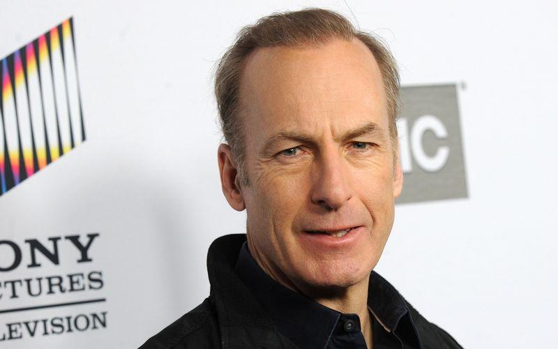 """Schock bei den Dreharbeiten: """"Better Call Saul""""-Hauptdarsteller Bob Odenkirk brach am Set zusammen. Es wurde sofort ein Krankenwagen verständigt."""