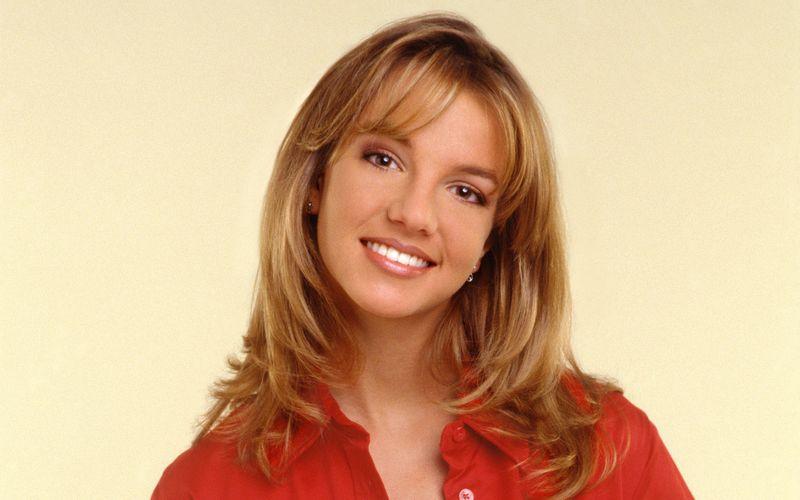 """Britney Spears macht den Anfang. 2001 steht die Sängerin bei den meistgesuchten Promis ganz oben. Kein Wunder: In diesem Jahr etablierte sich die Blondine endgültig als internationaler Superstar und veröffentlichte das Studioalbum """"Britney""""."""