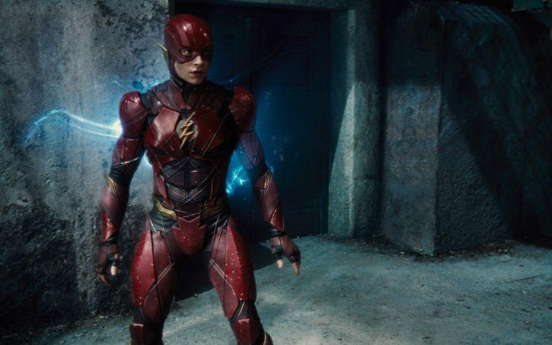 """In """"Batman v Superman: Dawn of Justice"""" (auf DVD und Blu-ray erhältlich) verkörperte Ezra Miller erstmals den DC-Helden Barry Allen alias The Flash. Im November 2022 soll sein neues Abenteuer in die Kinos kommen."""