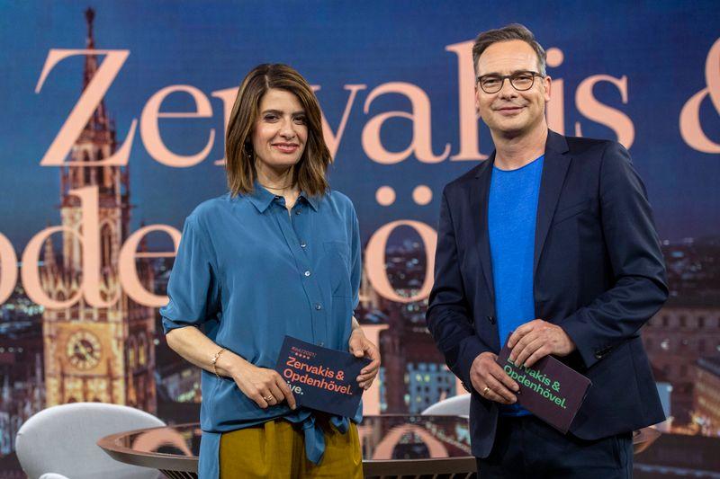 """Das ProSieben-Journal """"Zervakis & Opdenhövel. Live."""" mit Linda Zervakis und Matthias Opdenhövel startet am Montag, 13. September, 20.15 Uhr."""