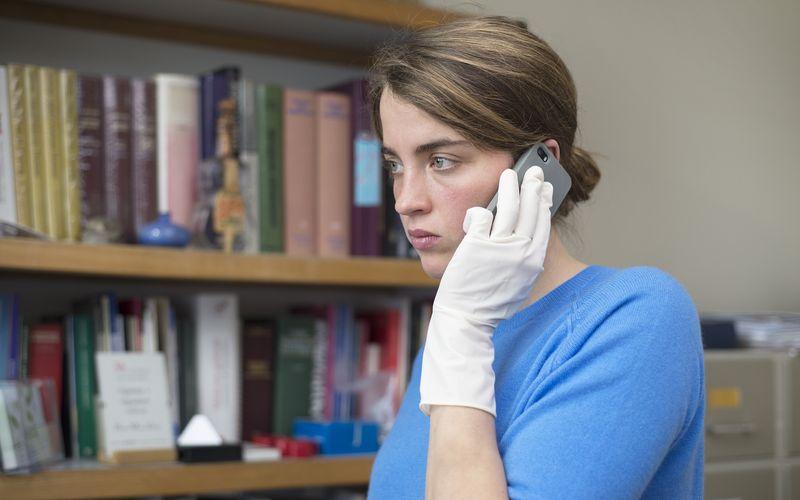 Die Ärztin Jenny (Adèle Haenel) wird von Schuldgefühlen geplagt.