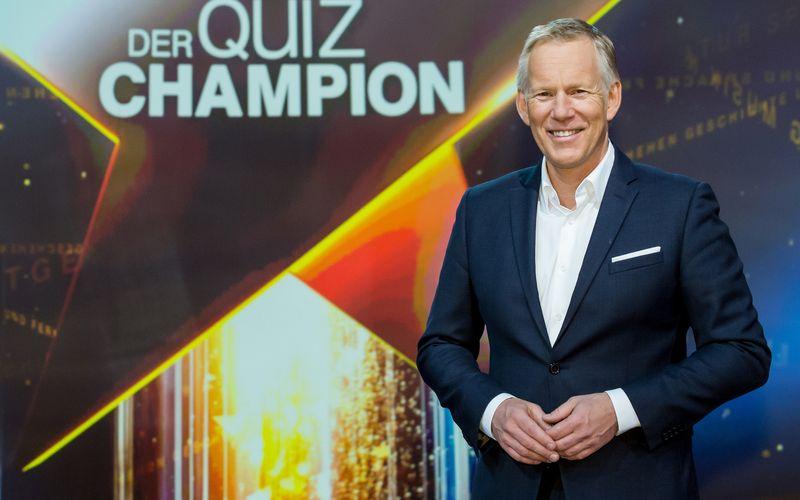 """Im """"härtesten Quiz im deutschen Fernsehen"""" sammelt Johannes B. Kerner zum ersten Mal Spenden für die Deutsche Krebshilfe."""