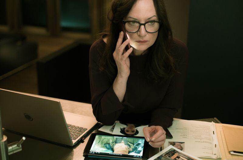 """Karla Lorenz (Natalia Wörner) ermittelt im sechsten Film der Reihe """"Die Diplomatin"""" erstmals in Berlin."""