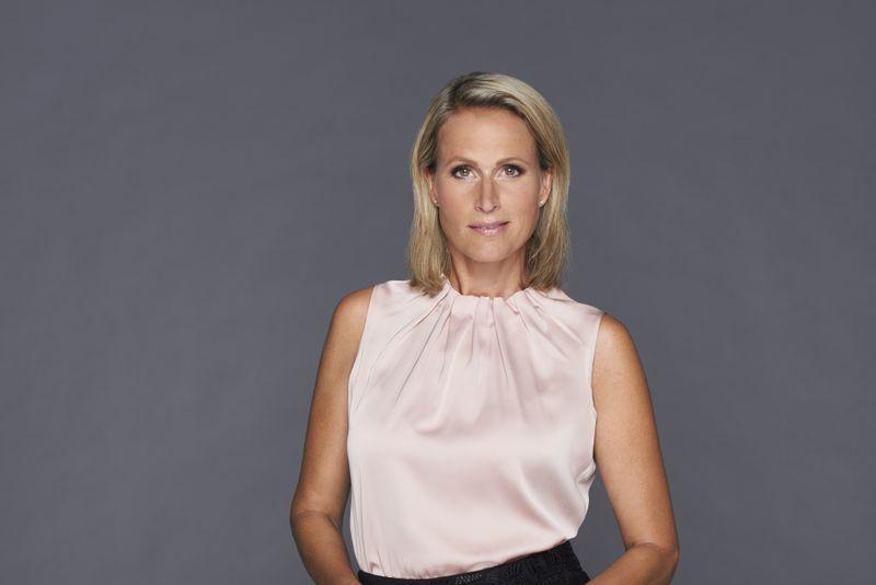 """Unterstützung erhält Zervakis von ihrer Moderationskollegin Claudia von Brauchitsch, die seit 2019 für das Reportagemagazin """"Akte"""" bei SAT.1 vor der Kamera steht."""