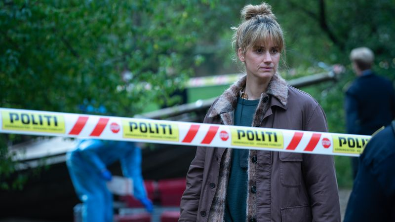 Naia Thulin (Danica Curcic) sucht nach einem Serienmörder.