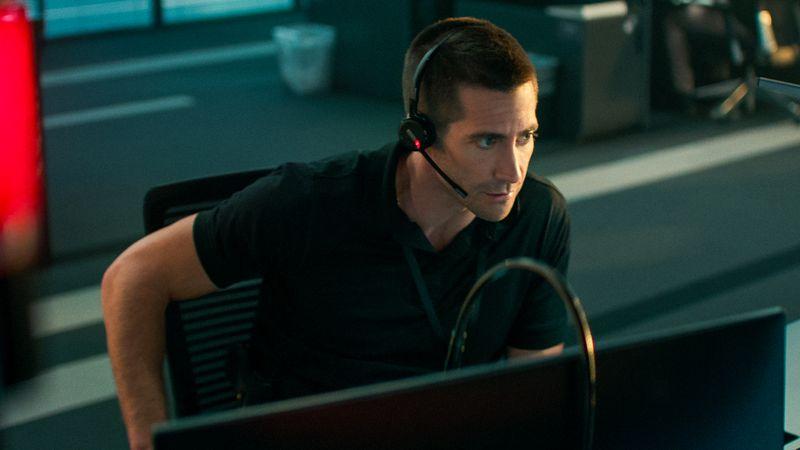 Der Polizeibeamte Joe Bayler (Jake Gyllenhaal) bekommt einen beunruhigenden Anruf einer entführten Frau.