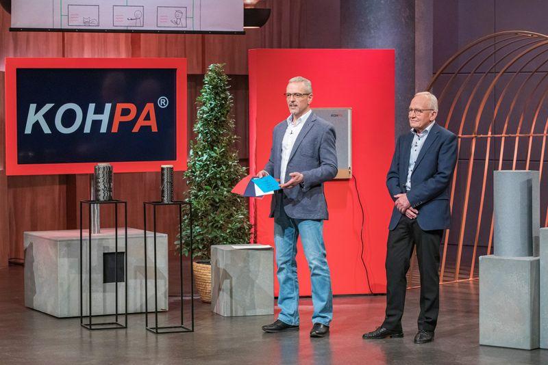 Peter Helfer (links) und Walter Reichel brachten mit KOHPA eine sensationelle Erfindung mit, die sich als wahrer Zündstoff erwies.