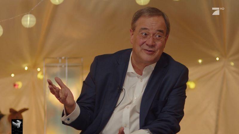 Armin Laschet zeigte sich überrascht, wie gut die Kinder auf das Interview vorbereitet waren.