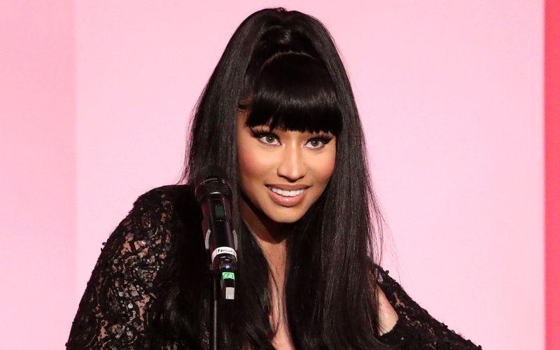 Der Gesundheitsminister von Trinidad und Tobago widerspricht Nicki Minaj. Die US-Rapperin sorgte am Montag mit einem viel diskutierten Tweet zur Corona-Impfung für Aufregung.