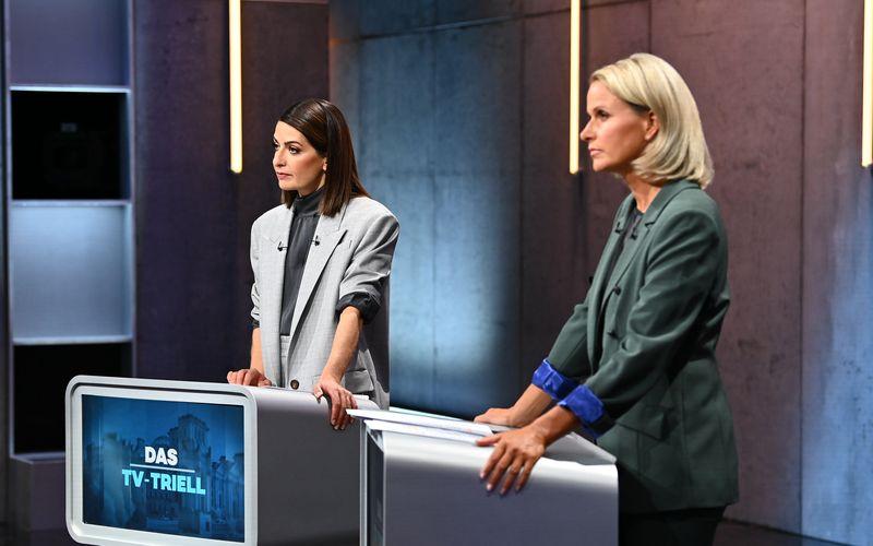 Linda Zervakis (links, mit Claudia von Brauchitsch) sorgte mit einem kreativen Einfall zum Thema Klimaschutz für viel Jubel im Netz.