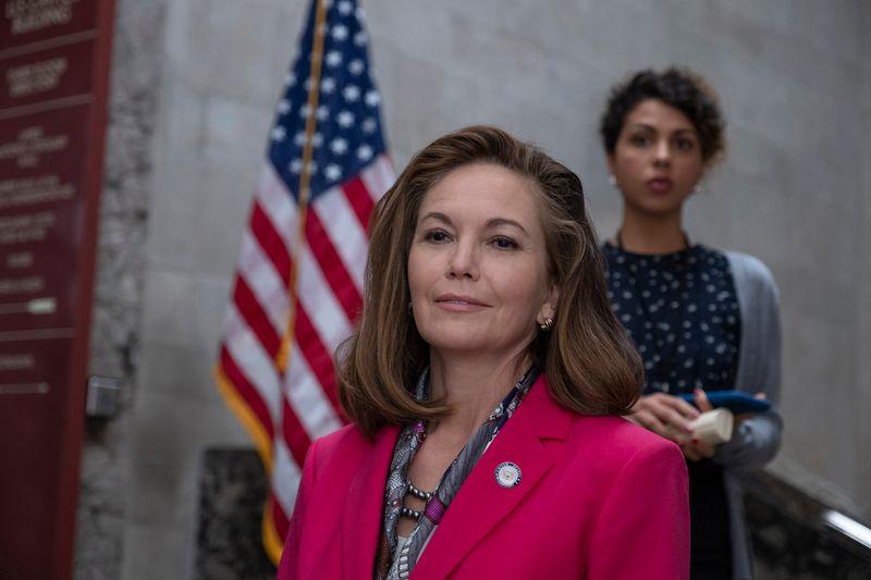 Bis eben war Jennifer Brown (Diane Lane) nur Senatorin: Nach dem Ableben aller Männer ist sie als ranghöchste Abgeordnete die erste Präsidentin der Vereinigten Staaten.