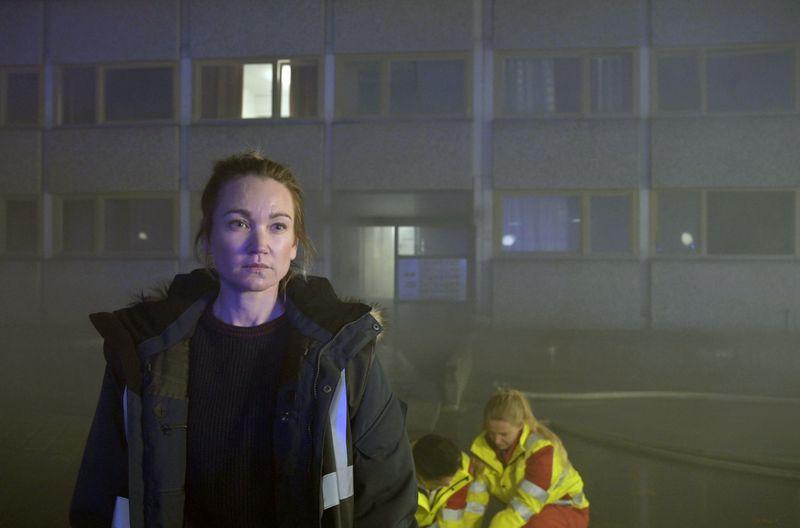 Maren (Lisa Maria Potthoff) zeigt Zivilcourage - allerdings erst, nachdem das perfekte Foto im Kasten ist.